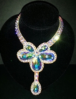Swarovski V-Necklace