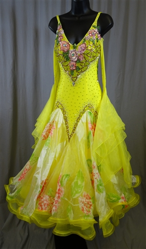 Elegant Yellow Flower Ballroom Dress