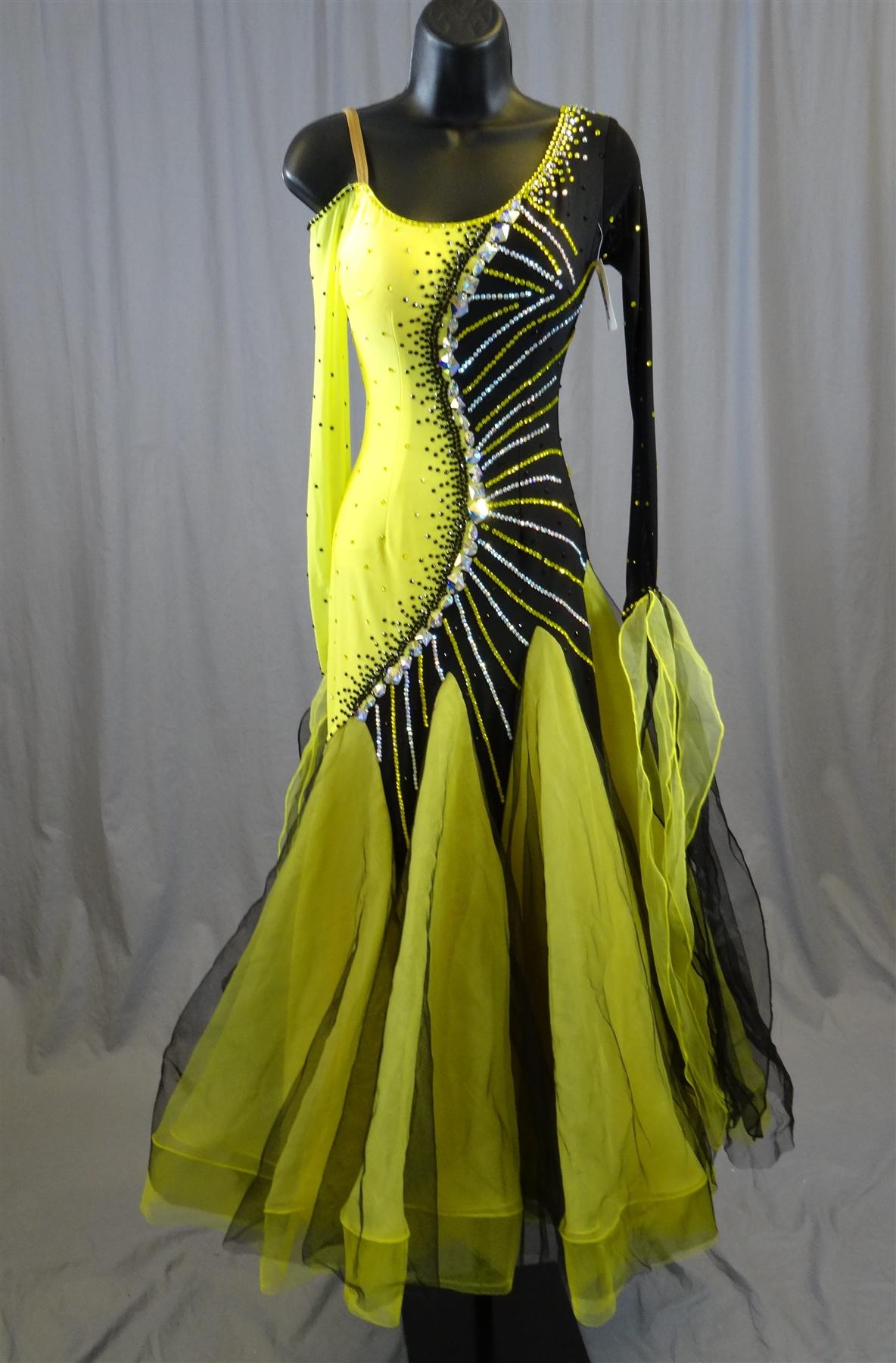 072f4d695ea7a Elegant Black & Yellow Ballroom Dress